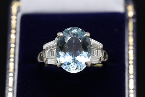 Platinum Aquamarine Ring with Diamonds