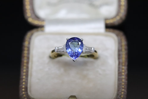 18ct Diamond and Tanzanite Ring