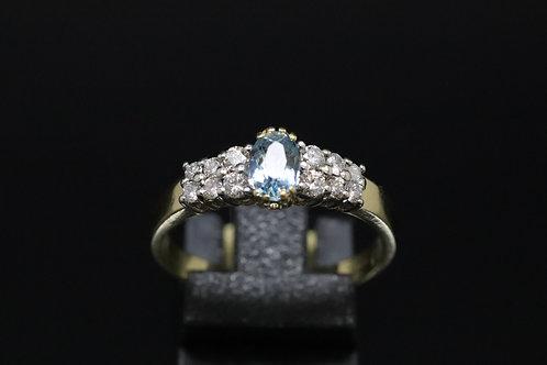 18ct Yellow Gold and Diamond Aquamarine Ring
