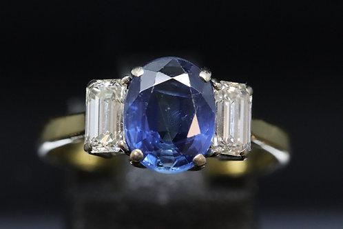 18ct Diamond and Sapphire Ring