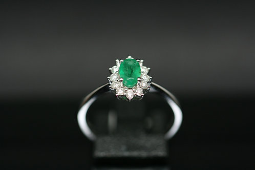 18ct Gold Diamond and Emerald Flower Ring