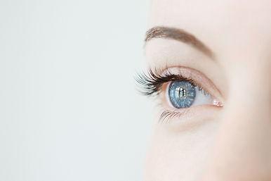 olhos azuis