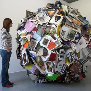 Las esculturas de libros de Alicia Martín entre las actividades de la feria del libro de artista de