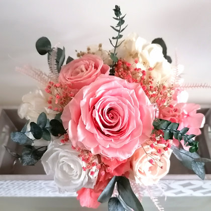 Roses and hydrangeas bouquet