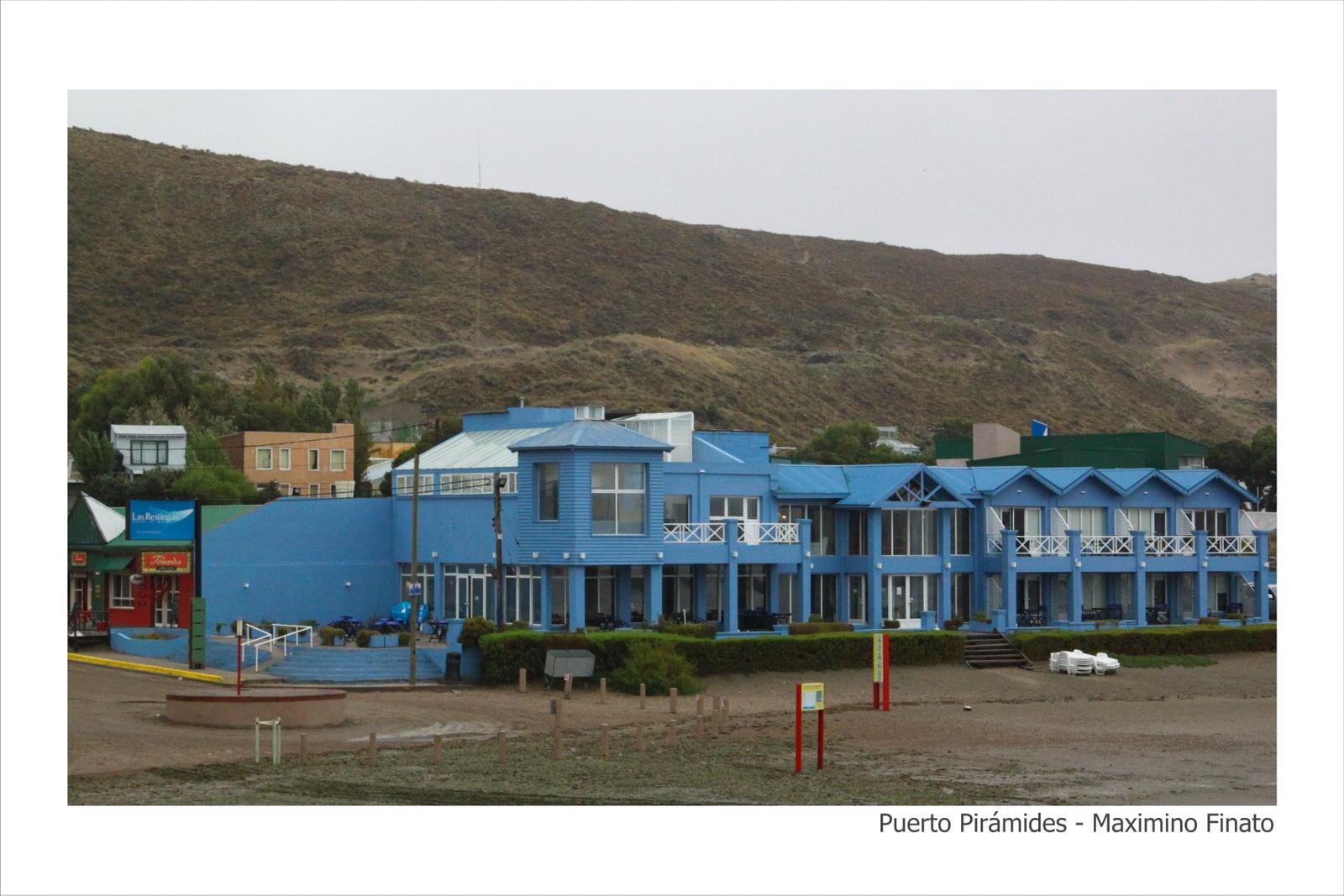 Puerto_Pirámides_-_Maximino_Finato_-_20-30