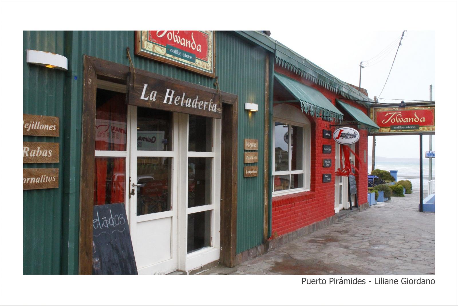 Puerto_Pirámides_-_Liliane_Giordano_-_20-30