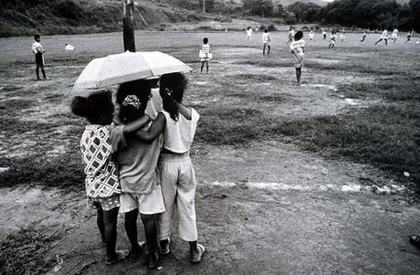 Por uma luz Paulo Freiriana: artigo de Carlos Carvalho na Revista Sala de Fotografia
