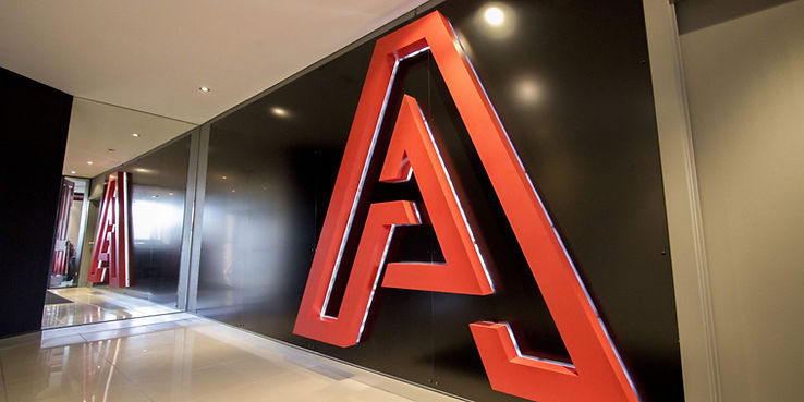 anuncios 3d  aluminio, backlit.jpg