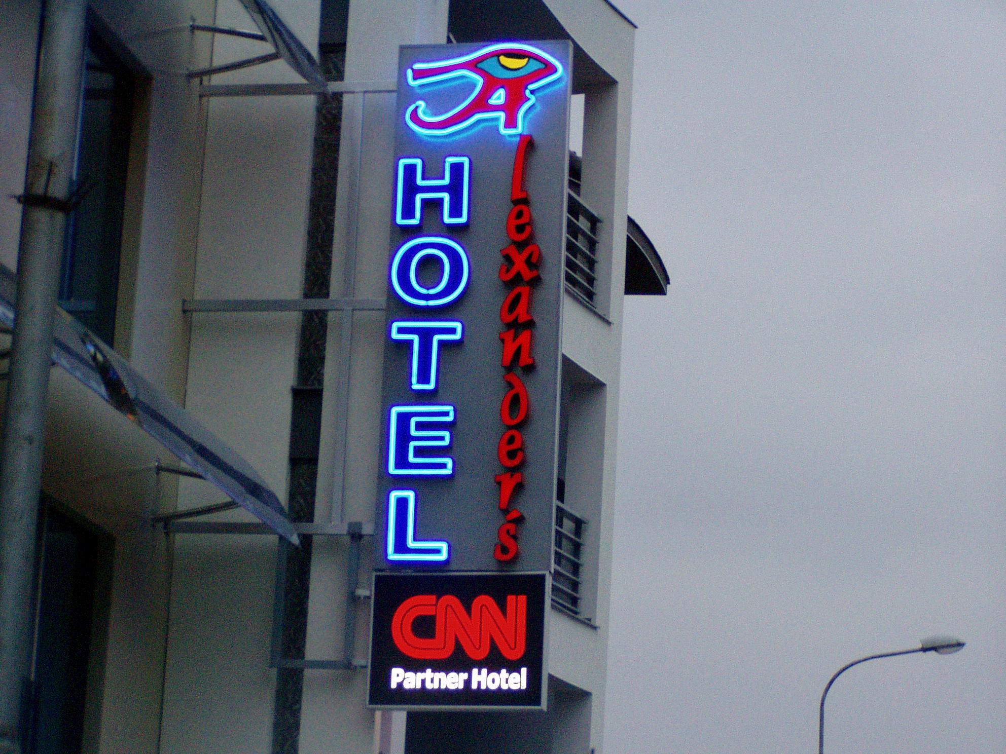HOTEL ALEXANDERS