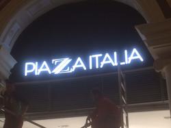PIAZA ITALIA