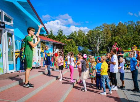 Vaikų išleistuvės dinozaurų parke. Ieškomi dinozaurų tramdytojai!