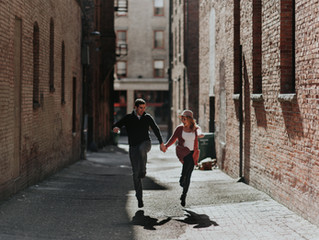 Michelle & Andy / Pioneer Square Engagement Session