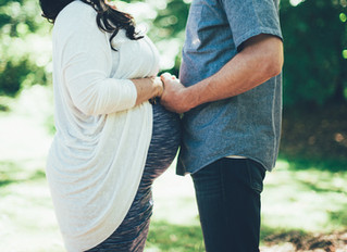 Summertime Maternity Session // Heather & Russ
