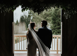 Spring wedding at The Barn at Holly Farm / Seattle Wedding Photographer