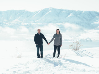 Danielle & Travis' Engagement Session in Lake Chelan