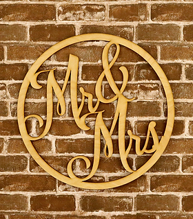 MrMrs_Sign_18inch_web.png