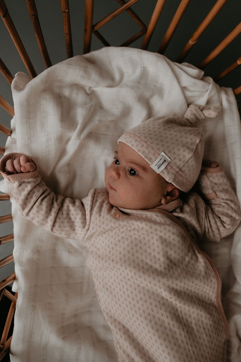 Organic new born Cocoon incl. hat