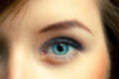Vrouwelijke blauwe ogen