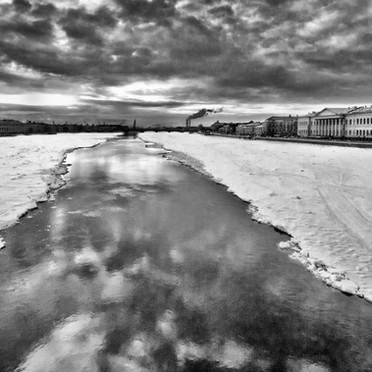 Chemin dans la Neva