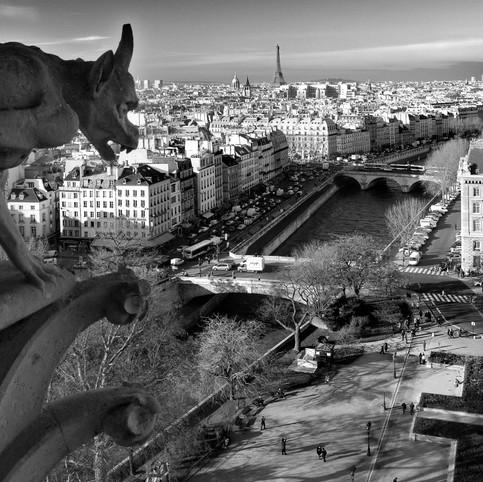 Menace sur Paris