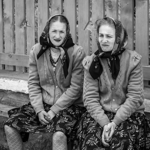 Les jumelles du village