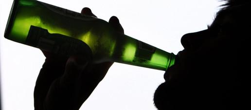 Alcol e tumore, perchè è meglio evitare le bevande alcoliche