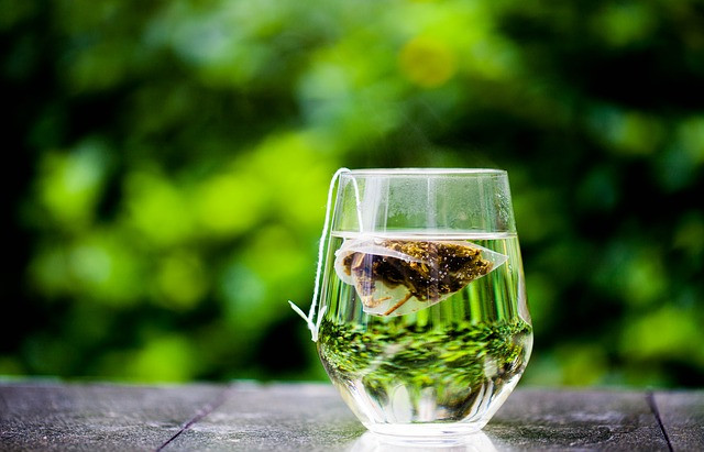 Le proprietà antivirali, antibatteriche e immunostimolanti del tè verde