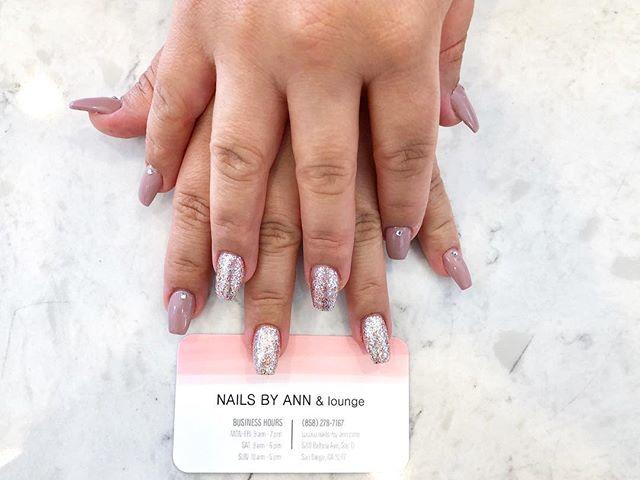 Dash of sparkle ✨_#nailsofinstagram #nai