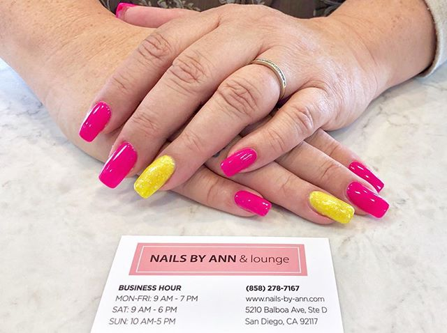 Love these colors! SO VIBRANT! 💖💛_#nai