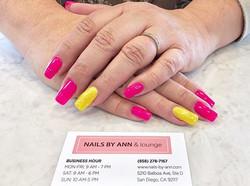 Love these colors! SO VIBRANT! 💖💛_#nai