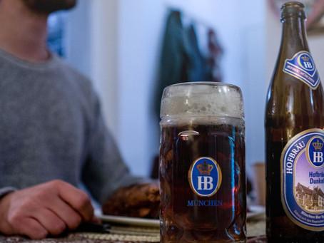 Munich Dunkel, uma cerveja leve porém escura.