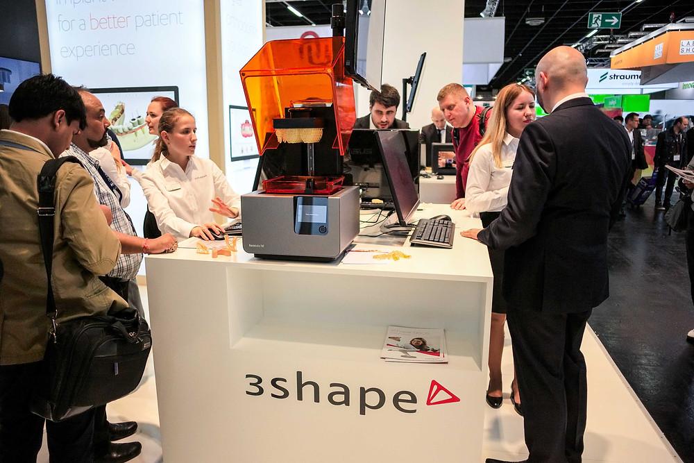 3shapeブース formlabs Form2インプラントスタジオサージカルガイド製作ソリューション展示
