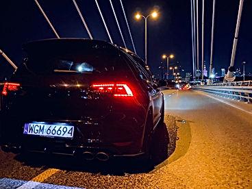 VW_Golf_VII_R_tył.jpg