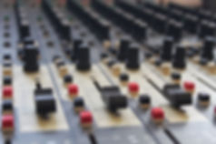 mixing-desk-994710_1920.jpg