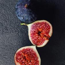 Figs & pine cones