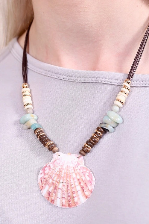 """ELSIE AT THE BEACH"" SHELL BEADED NECKLACE"