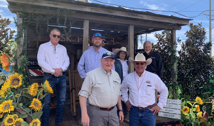 Perishable News: Ag Secretary Sonny Purdue Makes a Visit to Strawberry Country in Florida