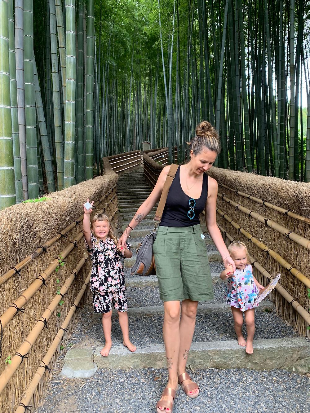 Japonija. Keliauju su vaikais. Vaiva Rykštaite. Bambuku giraite