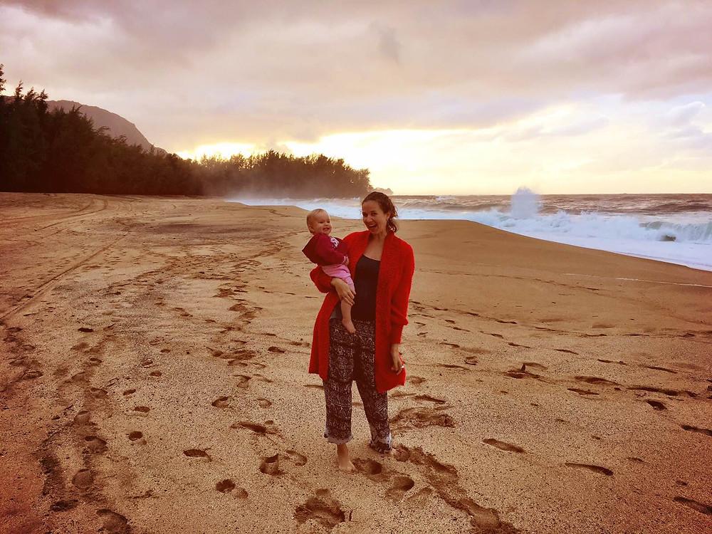 Vaiva Rykstaite, Pirmakart mama, knyga, supermama, Havajai, rasytoja, keliauju su vaikais, ekologija, emigrante, kauai, gaidziu rojus, banglenciu rojus
