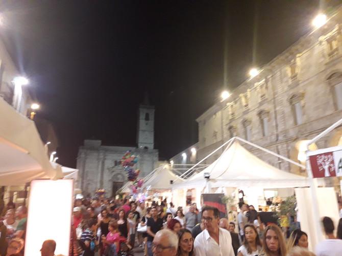 """Grandissima affluenza ad Ascoliva Festival nel giorno di S.Lorenzo. Domani inizia """"A scuola di"""