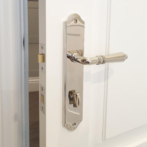 Tradco Sarlat privacy handle in Polished Nickel