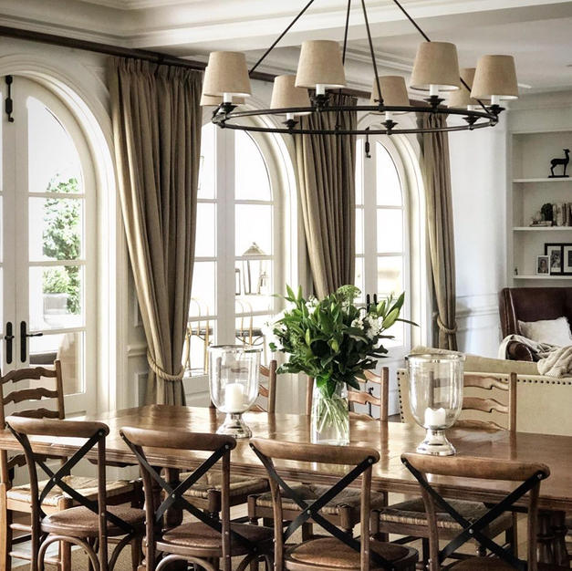 Round, 8 light, New Haven fitting in Antique Bronze