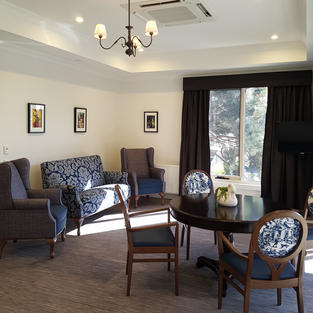 3 Branch Edward fitting in upstairs loung
