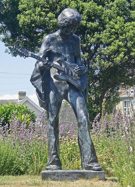 Jimi Hendrix statue at Dimbola Lodge