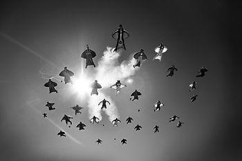 Wingsuit flying, flocking