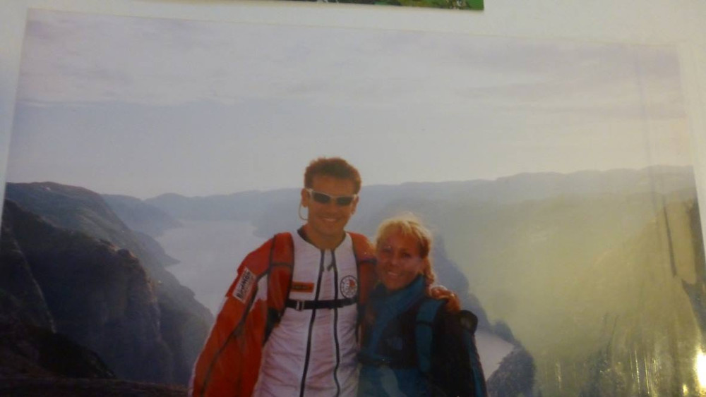 Kimi & me at Kjerag, Norway 2001