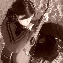 #throwbackthursday #photoshoot #beach #italy with my main squeeze my first #acoustic #guitar #tbt #m