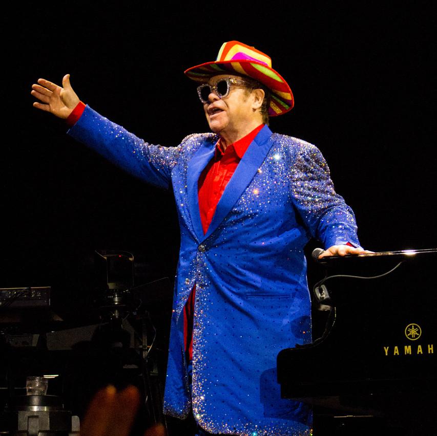 Elton John-23