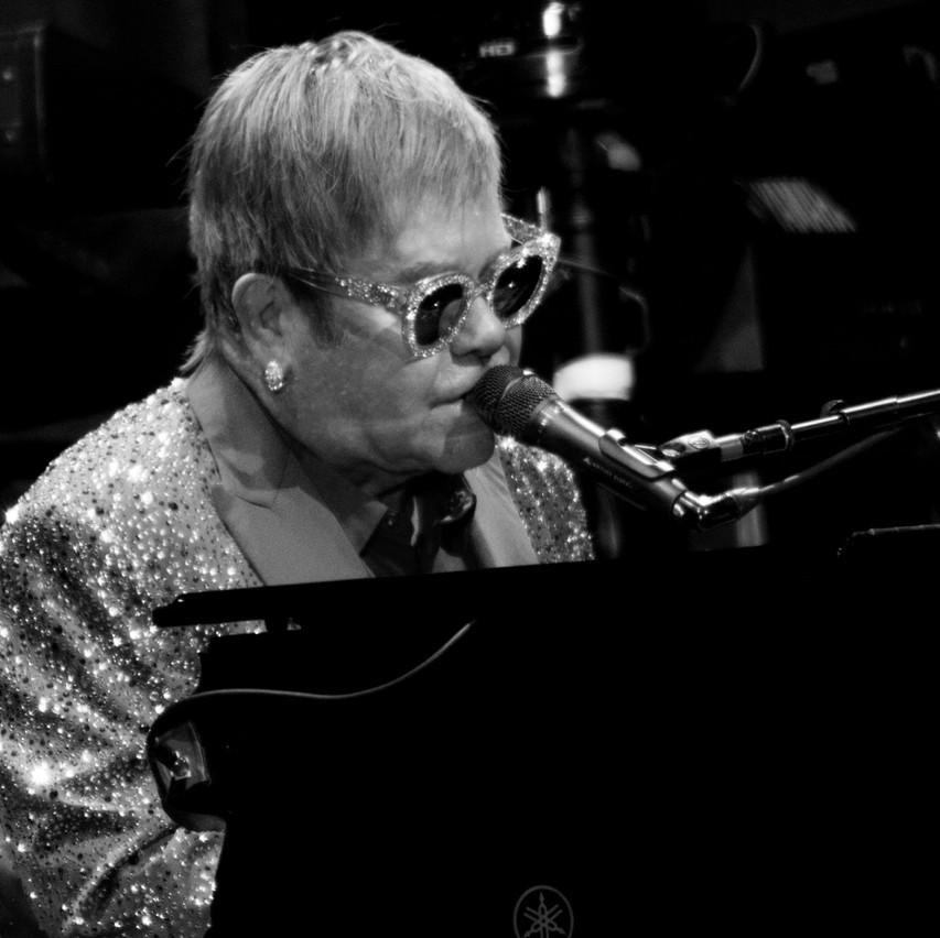 Elton John-13