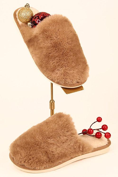 Mocha faux fur slippers